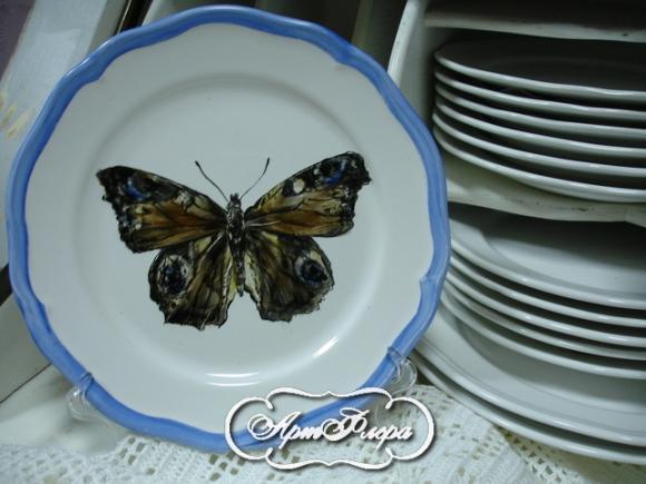 "Тарелка 22 см, из коллекции ""Бабочки на стене"", № 5, 1500 рублей"